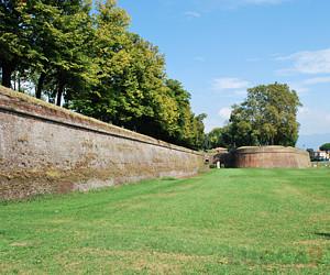 ::Le Mura:: di Lucca